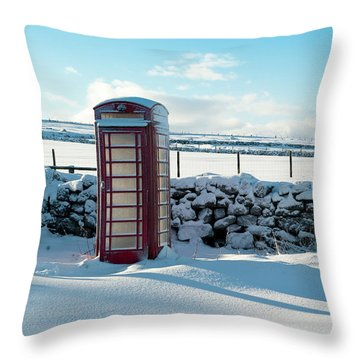 Red Telephone Box In The Snow V Throw Pillow