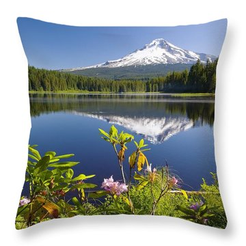 Reflection Of Mount Hood In Trillium Throw Pillow