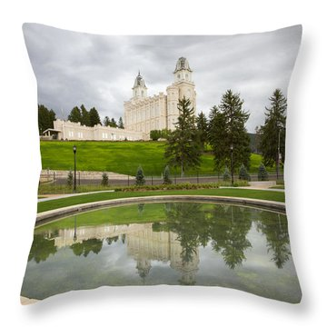 Reflections Of The Manti Temple At Pioneer Heritage Gardens Throw Pillow