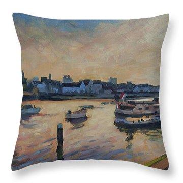 Regatta Maastricht Throw Pillow