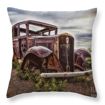 Remembering U.s. Route 66  ... Throw Pillow