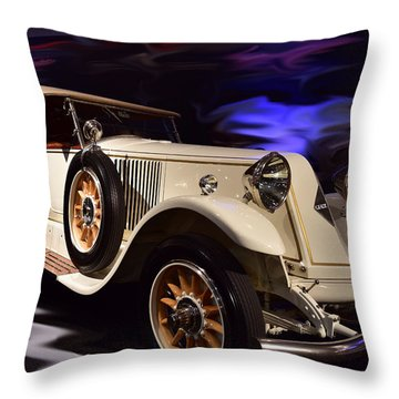 Renault 40cv Throw Pillow