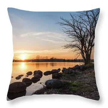 Reservoir Sunset Throw Pillow