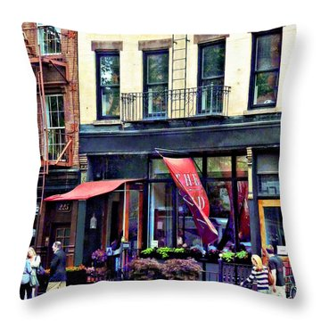 Restaurant In Chelsea Throw Pillow by Susan Savad