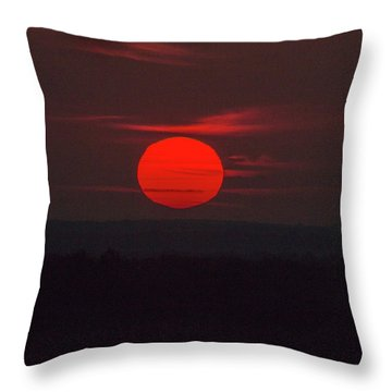 Rising Sun In Texas Throw Pillow
