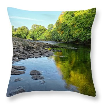 River Swale, Easby Throw Pillow