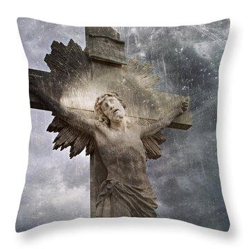 Riverside Cemetery Cross Throw Pillow