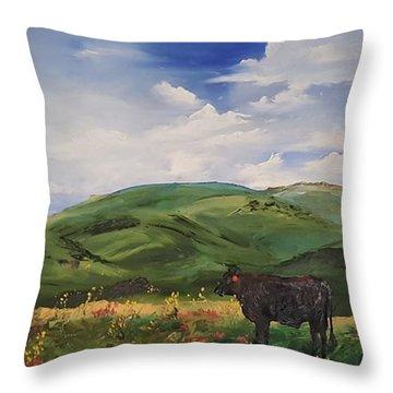Road To Melrose, Montana         32 Throw Pillow