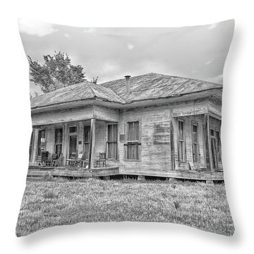 Roadside Old House Throw Pillow