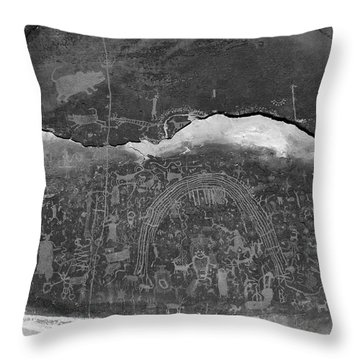 Rochester Creek Petroglyph Panel Black And White Throw Pillow