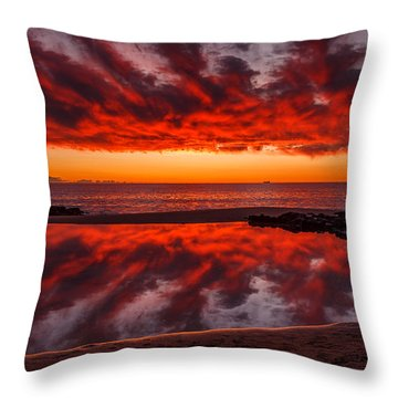 Rock Pool Reflections Throw Pillow