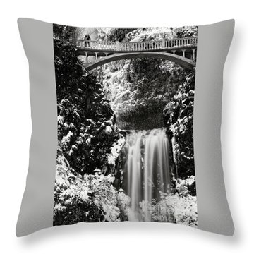 Romantic Moments At The Falls Throw Pillow