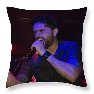 Ronnie Romero 19 Throw Pillow