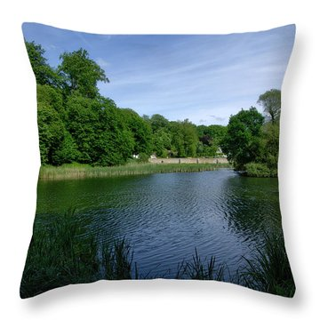 Rood Klooster Throw Pillow