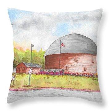 Round Barn In Route 66, Arcadia, Oklahoma Throw Pillow