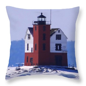 Round Island 3 Throw Pillow