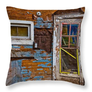 Route 66 Brothel In Galena Kansas Throw Pillow
