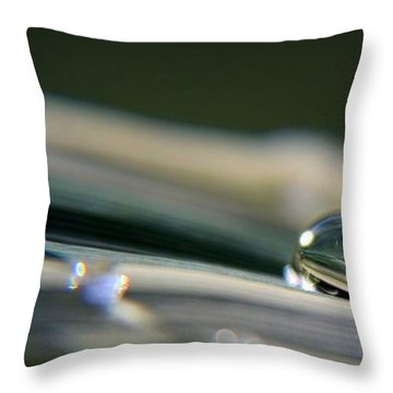Rowling Droplets   Throw Pillow