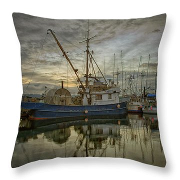 Throw Pillow featuring the photograph Royal Banker by Randy Hall
