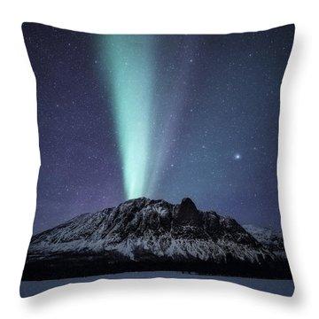 Royelkampen Throw Pillow
