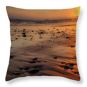 Throw Pillow featuring the photograph Ruby Beach Sunset by David Chandler