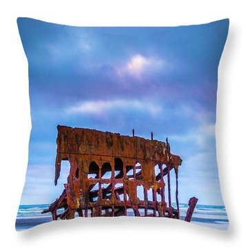 Rusting Peter Iredale Throw Pillow