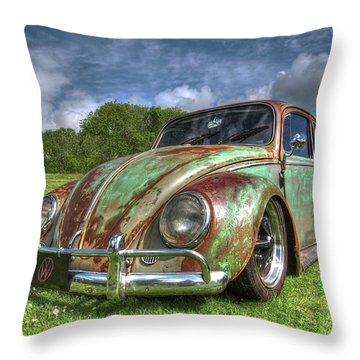 Rusty Bug - Vw Beetle Throw Pillow