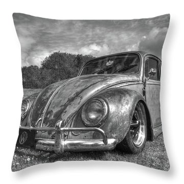 Rusty Bug - Vw Beetle In Black And White Throw Pillow