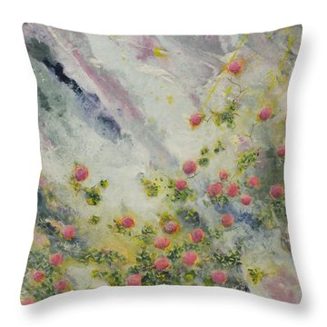 S Epanouir Throw Pillow