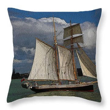 sailing the Bay of Islands Throw Pillow