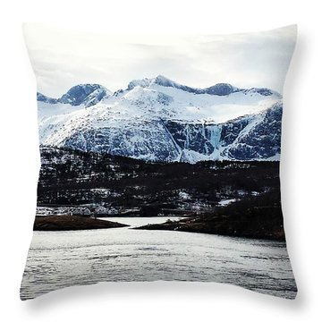Saltstraumen Throw Pillow