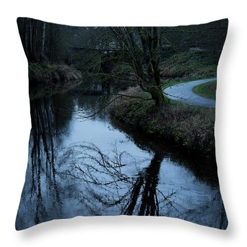 Sammamish River At Dusk Throw Pillow