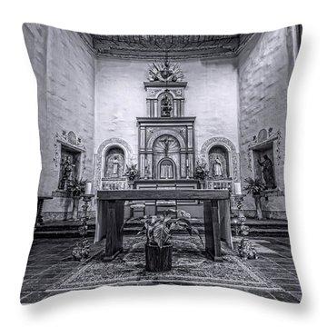 San Diego De Alcala Altar - Bw Throw Pillow