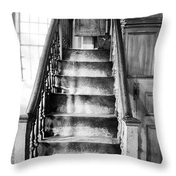 Sandown Meetinghouse -sandown Nh Usa Throw Pillow by Erin Paul Donovan