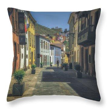 Santa De Cruz Throw Pillow