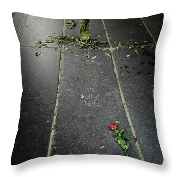 Saskia Rembrandt's Tomb Throw Pillow by RicardMN Photography