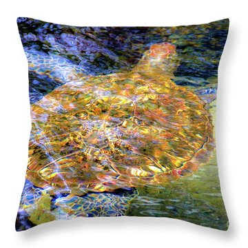 Sea Turtle In Hawaii Throw Pillow