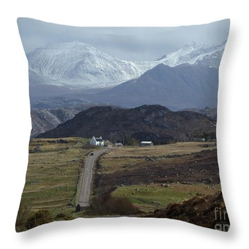 An Teallach - Wester Ross Throw Pillow