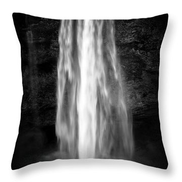 Seljalendsfoss Throw Pillow