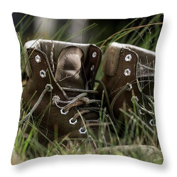 Throw Pillow featuring the photograph Settled In by Andrew Pacheco