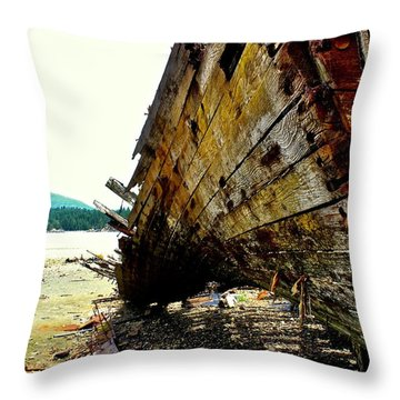 Ship Wreck 2 Throw Pillow