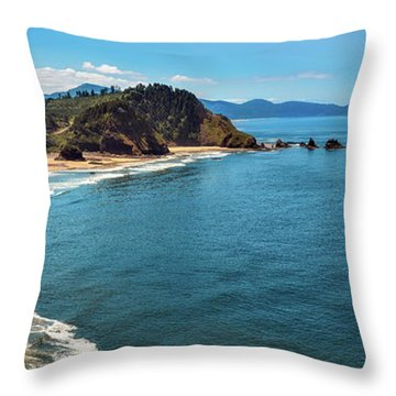 Short Beach, Oregon Throw Pillow