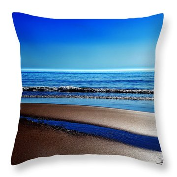 Silent Sylt Throw Pillow