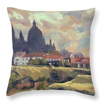 Silhouet Saint Lambertus Church Maastricht Throw Pillow