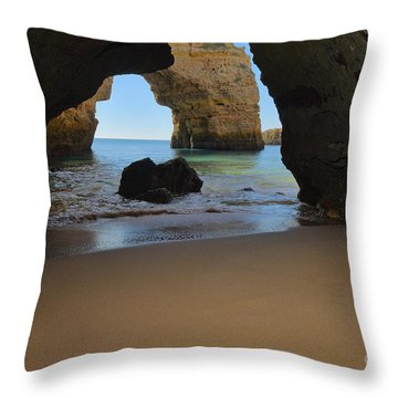 Silky Sands And Arch Throw Pillow
