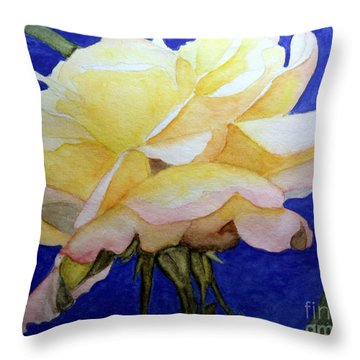 Single Bloom Of Glory Throw Pillow