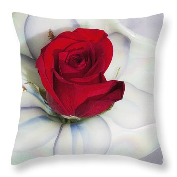 Single Red Rose In Fenton Vase Throw Pillow by Linda Phelps