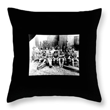 Sinkers,rossington Colliery,1915 Throw Pillow