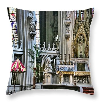 Sint-janskathedraal In 's-hertogenbosch Throw Pillow