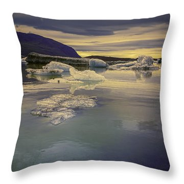 Skaftafellsjokull Lagoon Throw Pillow